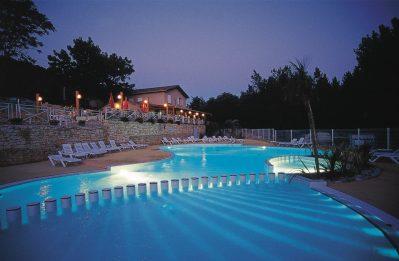 LES GORGES-La piscine du camping LES GORGES-SAINT MARTIN D'ARDECHE