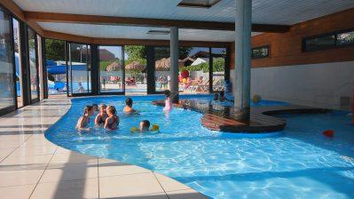 LA RAVOIRE-La piscine couverte et chauffée du camping LA RAVOIRE-DOUSSARD
