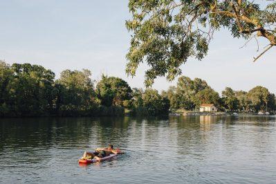 LA PLAGE D'ARGENS-Accès direct à la rivière im Departement Var-FREJUS