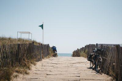 LA PLAGE D'ARGENS-Accès direct à la plage pour le camping LA PLAGE D'ARGENS-FREJUS