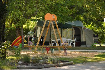 LA CIGALINE-Espace jeux pour les enfants-MONTPON MENESTEROL