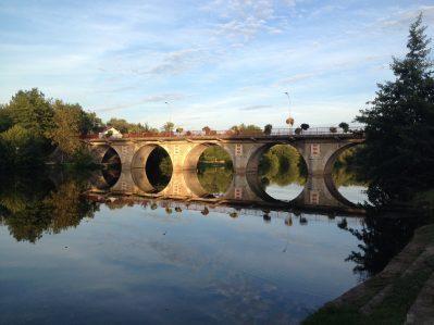 LA CIGALINE-Accès direct à la rivière im Departement Dordogne-MONTPON MENESTEROL