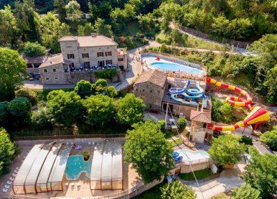 DOMAINE DE PLANTAS-Le camping DOMAINE DE PLANTAS, das Departement Ardèche-SAINT VINCENT DE DURFORT