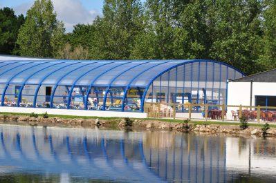 PLIJADUR-La piscine couverte et chauffée du camping PLIJADUR-TRINITE SUR MER