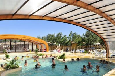 COTE VERMEILLE-La piscine couverte du camping COTE VERMEILLE-PORT LA NOUVELLE