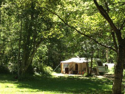 LE COUROUNBA-Les emplacements du camping LE COUROUNBA-VIGNEAUX