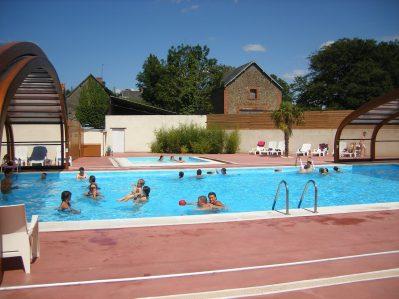 L'ESCAPADE-La piscine couverte du camping L'ESCAPADE-CAHAGNOLLES