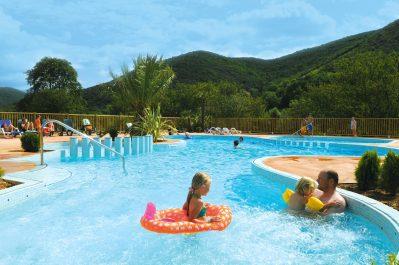 LES CERISIERS DU JAUR-La piscine du camping LES CERISIERS DU JAUR-SAINT PONS DE THOMIERES
