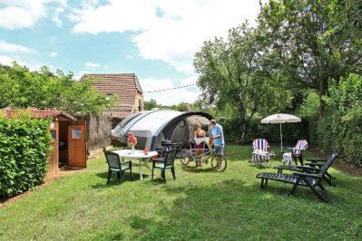 LE MOULIN DU ROCH-Les emplacements du camping LE MOULIN DU ROCH-SAINT ANDRE D ALLAS