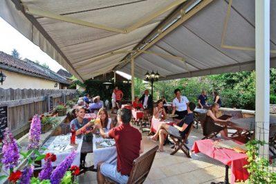 LE MOULIN DU ROCH-Le restaurant du camping LE MOULIN DU ROCH-SAINT ANDRE D ALLAS