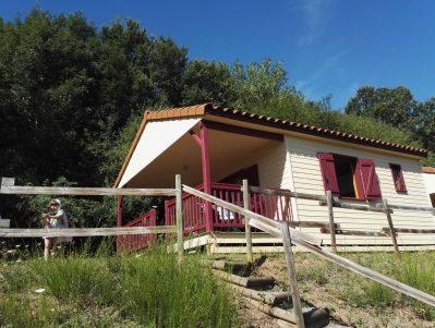 CAMPING LA BAGEASSE-Les chalets du camping CAMPING LA BAGEASSE-BRIOUDE