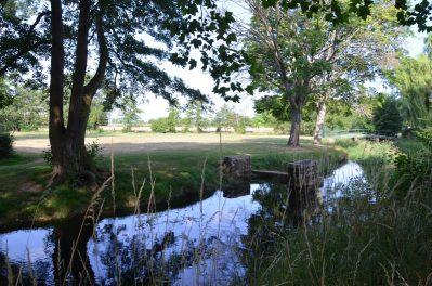 CAMPING DE LA PORTE D'ARROUX-Accès direct à la rivière en Saône-et-Loire-AUTUN
