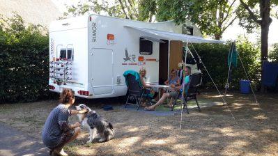 CAMPING DE LA PORTE D'ARROUX-Les emplacements du camping CAMPING DE LA PORTE D'ARROUX-AUTUN