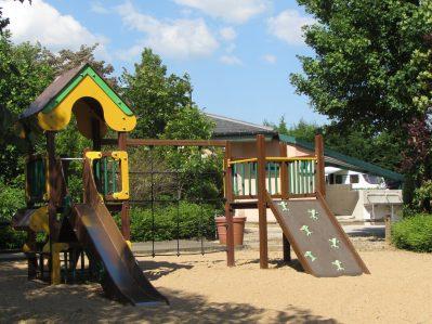 CAMPING DES SOURCES-Espace jeux pour les enfants-SANTENAY