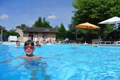 CAMPING DU BREUIL-La piscine du camping CAMPING DU BREUIL-BOURBON LANCY