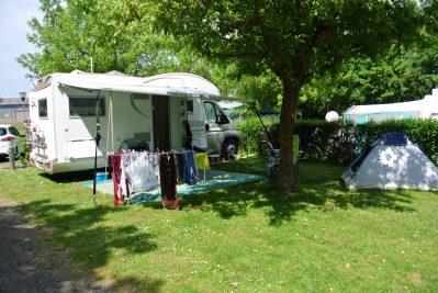 CAMPING DU BREUIL-Les emplacements du camping CAMPING DU BREUIL-BOURBON LANCY