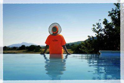 DOMAINE DE CHADEYRON-La piscine du camping DOMAINE DE CHADEYRON-LAGORCE