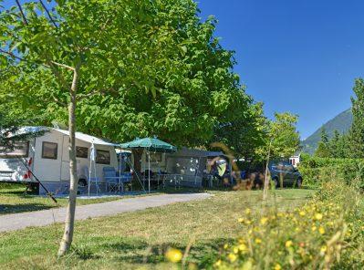 LA FERME-Les emplacements du camping LA FERME-LATHUILE