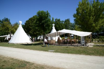 LA PLAINE TONIQUE-Les hébergements insolites du camping LA PLAINE TONIQUE-MONTREVEL EN BRESSE