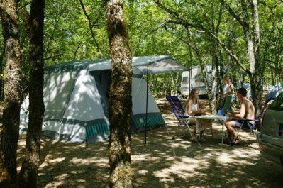 LA PAILLE BASSE-Les emplacements du camping LA PAILLE BASSE-SOUILLAC