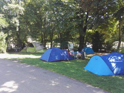 CAMPING DE BOUTHEZARD-Les emplacements du camping CAMPING DE BOUTHEZARD-PUY EN VELAY