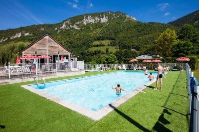L'ARRIOU-La piscine du camping L'ARRIOU-BEAUDEAN