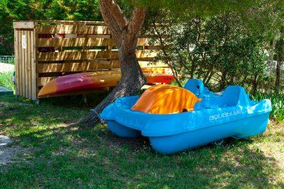 FELIX DE LA BASTIDE-Un camping en bord d'étang das Departement Bouches-du-Rhône-SAINT MITRE LES REMPARTS