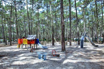 LE TEDEY-Espace jeux pour les enfants-LACANAU