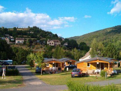 LE TIVOLI-Un camping en pleine nature-BAGNOLS LES BAINS