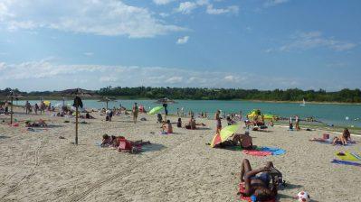 CAMPING LAC DE THOUX ST-CRICQ-Accès direct à la plage pour le camping CAMPING LAC DE THOUX ST-CRICQ-SAINT CRICQ
