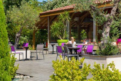 CAMPING LAC DE THOUX ST-CRICQ-Le restaurant du camping CAMPING LAC DE THOUX ST-CRICQ-SAINT CRICQ