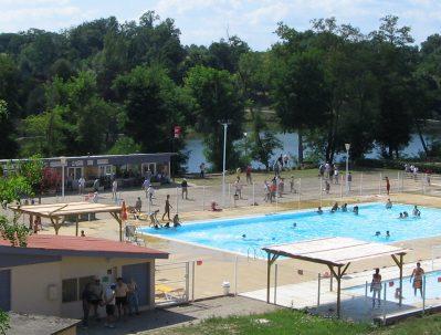 CAMP MUNICIPAL LE COUCUT-La piscine du camping CAMP MUNICIPAL LE COUCUT-CASTELNAU D'AUZAN