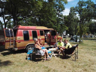CAMPING DE L'ILE-Les emplacements du camping CAMPING DE L'ILE-COSNE COURS SUR LOIRE