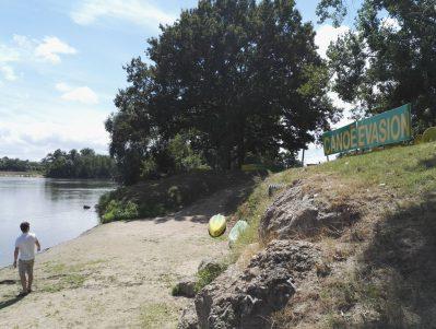CAMPING DE L'ILE-Accès direct à la rivière dans la Nièvre-COSNE COURS SUR LOIRE
