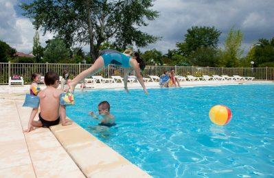 LE BOIS VERT-La piscine du camping LE BOIS VERT-PARTHENAY