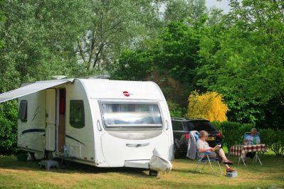 LE BOIS VERT-Les emplacements du camping LE BOIS VERT-PARTHENAY