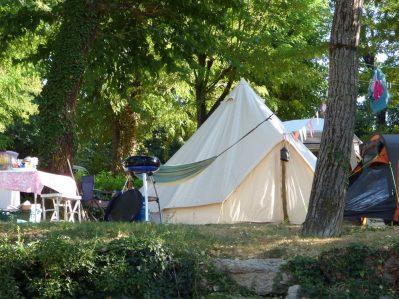 LE CLAPAS-Les emplacements du camping LE CLAPAS-SALAVAS
