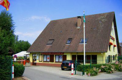 AU PAYS DE HANAU-Le camping AU PAYS DE HANAU, das Departement Bas-Rhin-DOSSENHEIM SUR ZINSEL