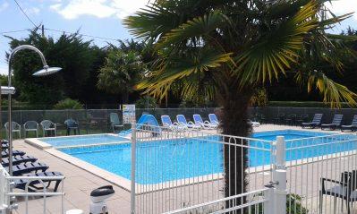 KER EUGENE-La piscine du camping KER EUGENE-AMBON