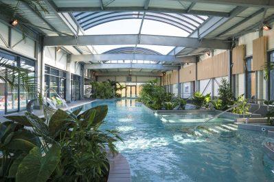 LE LITTORAL-La piscine couverte et chauffée du camping LE LITTORAL-TALMONT SAINT HILAIRE