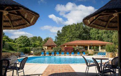DOMAINE DE FROMENGAL-La piscine du camping DOMAINE DE FROMENGAL-BUISSON DE CADOUIN
