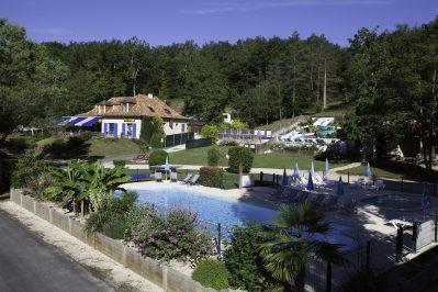 LA PELONIE-La piscine du camping LA PELONIE-SAINT ANTOINE D AUBEROCHE
