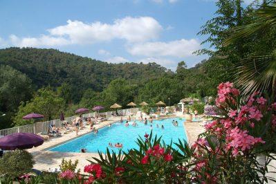 LES PINEDES-La piscine du camping LES PINEDES-COLLE SUR LOUP