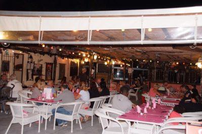 PARC SAINT-JAMES LE SOURIRE-Le restaurant du camping PARC SAINT-JAMES LE SOURIRE-VILLENEUVE LOUBET