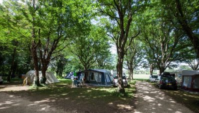 LA GRAND'TERRE - Les emplacements du camping LA GRAND'TERRE - RUOMS