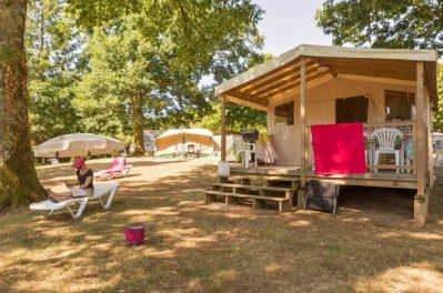 LES GORGES DU CHAMBON-Les hébergements insolites du camping LES GORGES DU CHAMBON-EYMOUTHIERS