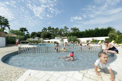 CAMPING ST-TRO'PARK-La piscine du camping CAMPING ST-TRO'PARK-SAINT TROJAN LES BAINS