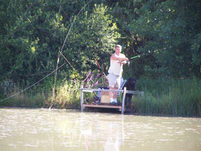 FLEURS DES CHAMPS-Un camping en bord d'étang das Departement Charente-Maritime-ARCES