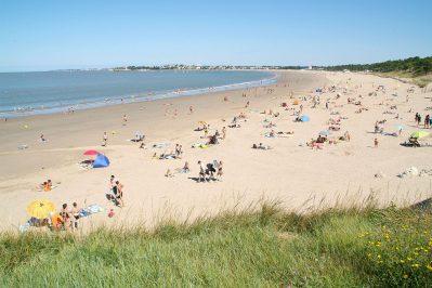 BOIS SOLEIL-Accès direct à la plage pour le camping BOIS SOLEIL-SAINT GEORGES DE DIDONNE