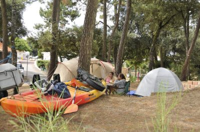 IDEAL CAMPING - Les emplacements du camping IDEAL CAMPING - SAINT GEORGES DE DIDONNE